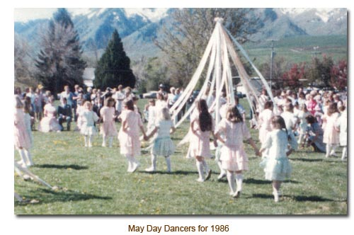 Mendon May Day Dancers for 1986.